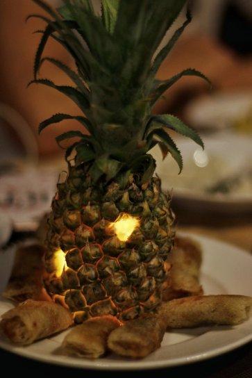 Ananas Teelicht mit Frühlingsrollen